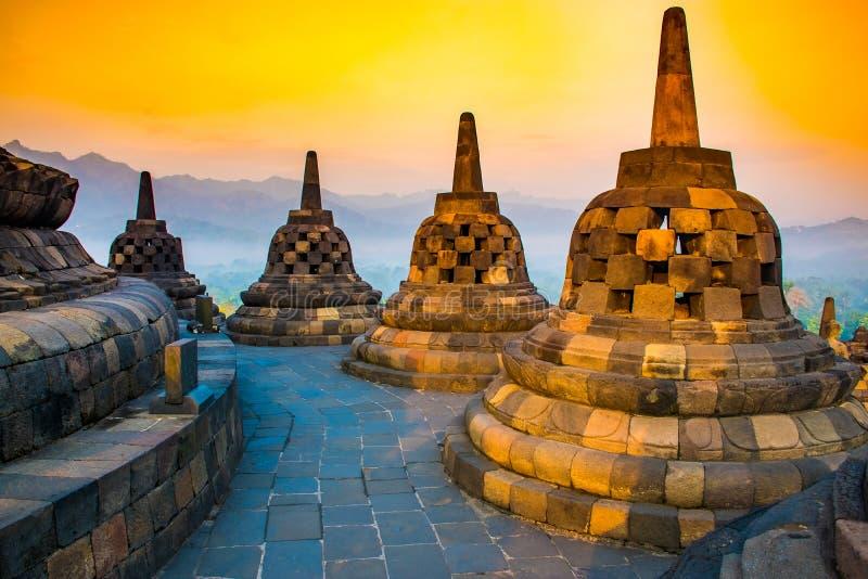 Paesaggio di alba del tempio buddista Borobudur complesso, Yogyakarta, Jawa, Indonesia fotografia stock