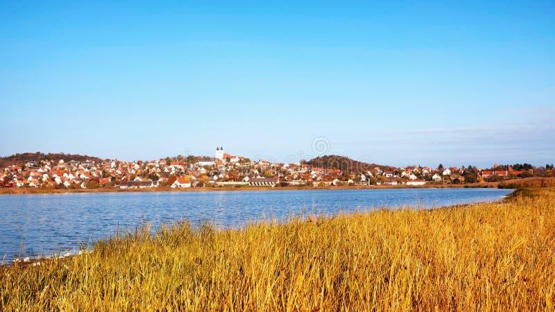 Paesaggio di autunno di Tihany, Ungheria immagini stock