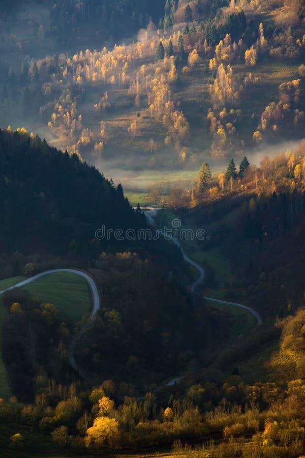 Paesaggio di autunno a Vlkolinec immagini stock