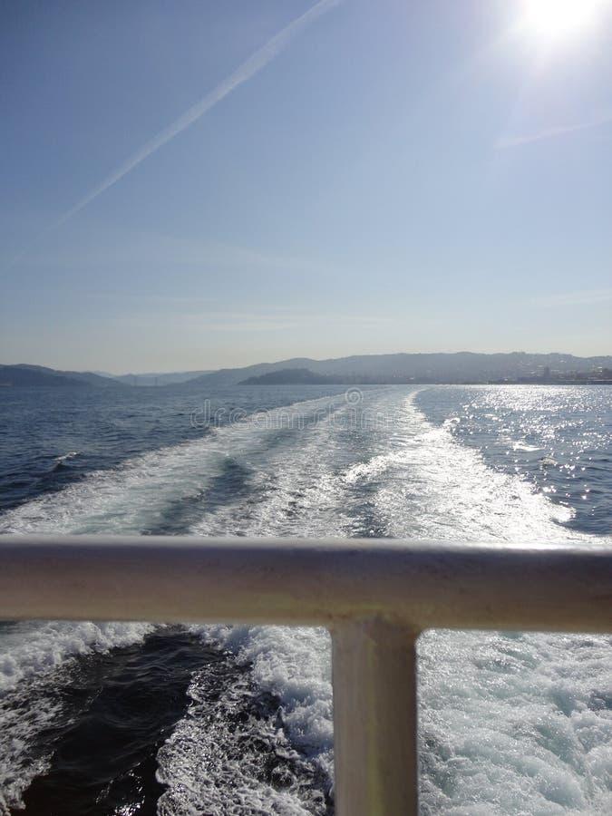 Paesaggio di bella vista che attraversa l'Oceano Atlantico fotografia stock