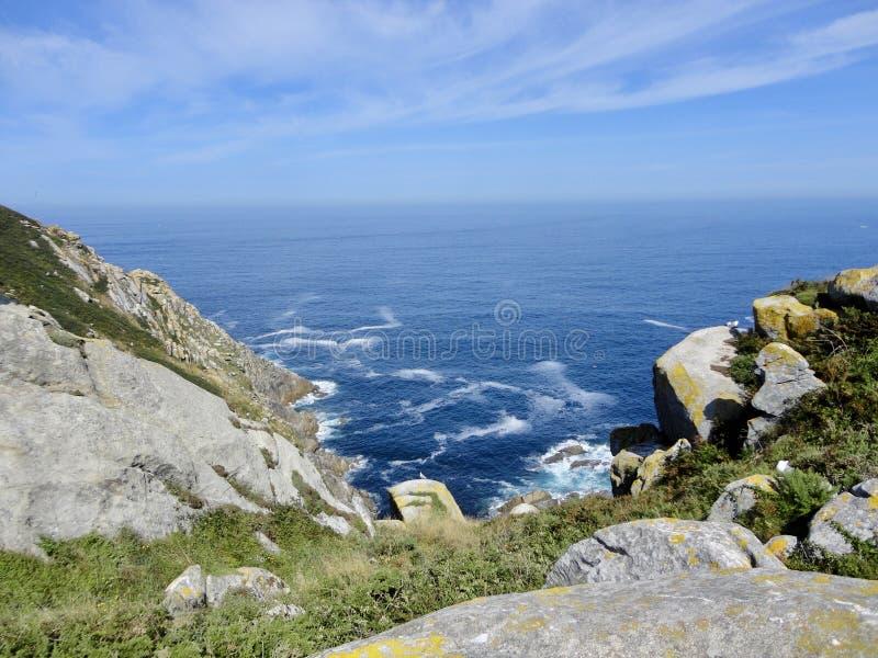 Paesaggio di bella vista dell'l'Oceano Atlantico immagini stock libere da diritti