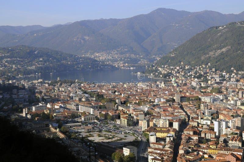 Paesaggio di Como e del suo lago immagini stock
