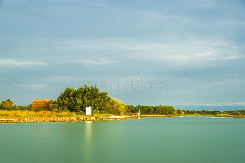 Paesaggio di estate dentro la laguna di Bibione immagine stock libera da diritti