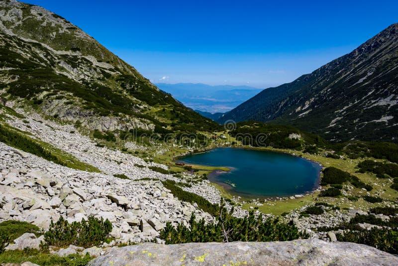 Paesaggio di estate di paesaggio, montagna di Pirin, Bulgaria fotografia stock libera da diritti