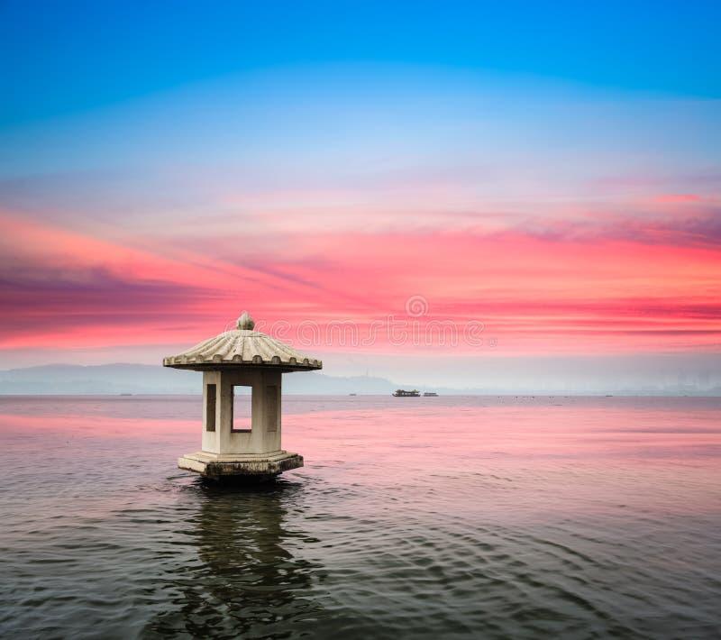 Paesaggio di Hangzhou nel tramonto fotografia stock