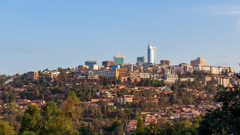 Paesaggio di Kigali, Ruanda del distretto aziendale della città fotografia stock libera da diritti