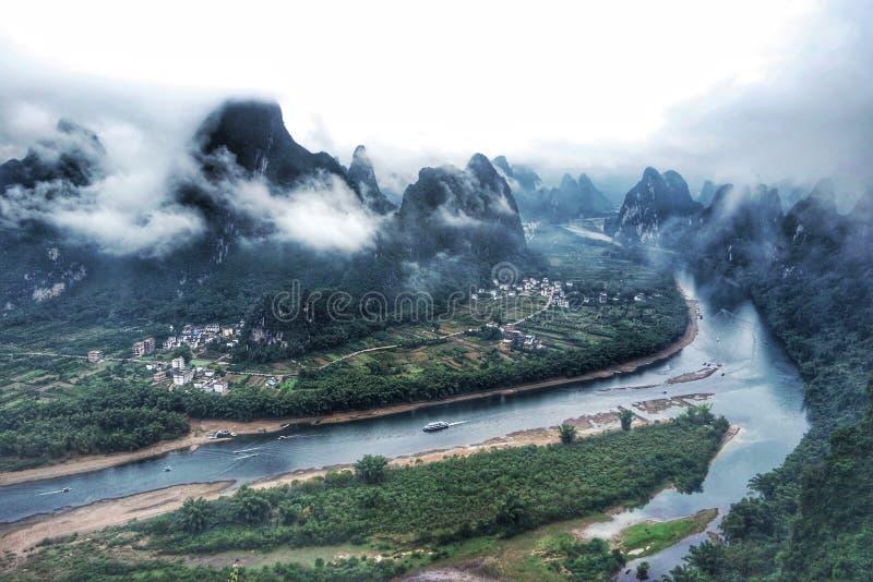 """Paesaggio di Li River & di x28; 江& x29 del ¼ del æ """"; dalla montagna di XiangGong & x28; ¬å±±& x29 del ¸å del› del ç…; fotografia stock"""