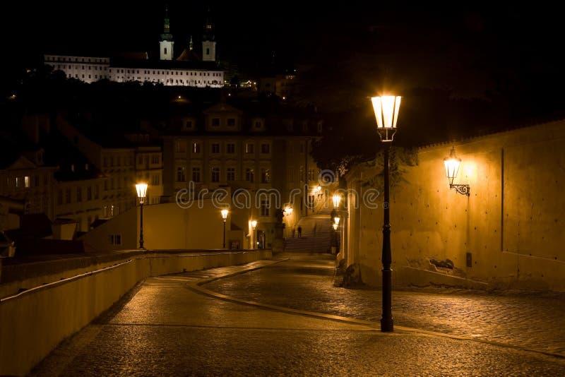 Paesaggio di Praga di notte fotografie stock libere da diritti
