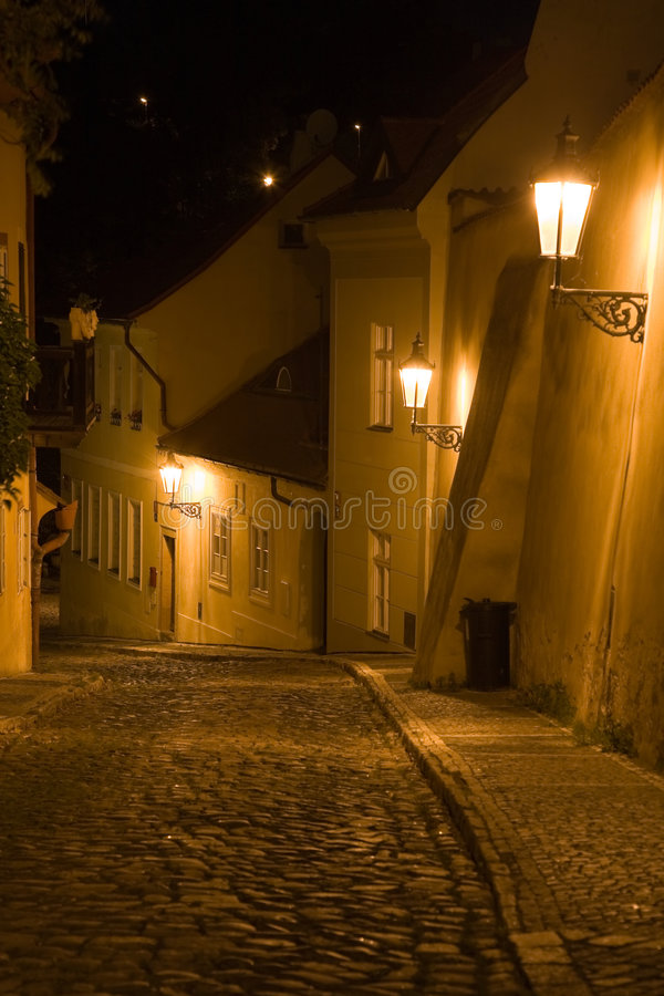 Paesaggio di Praga di notte immagini stock