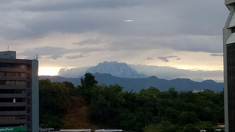 Paesaggio di primo mattino a Kota Kinabalu immagini stock libere da diritti