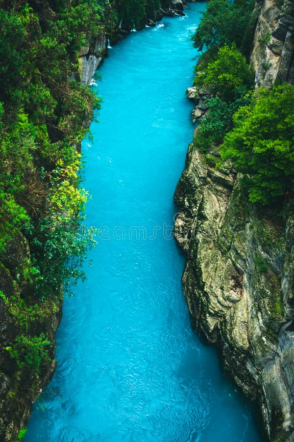 Paesaggio di stupore del fiume dal canyon di Koprulu in Manavgat, Adalia, Turchia fotografie stock libere da diritti