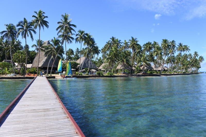Paesaggio di una località di soggiorno tropicale in Figi fotografia stock libera da diritti