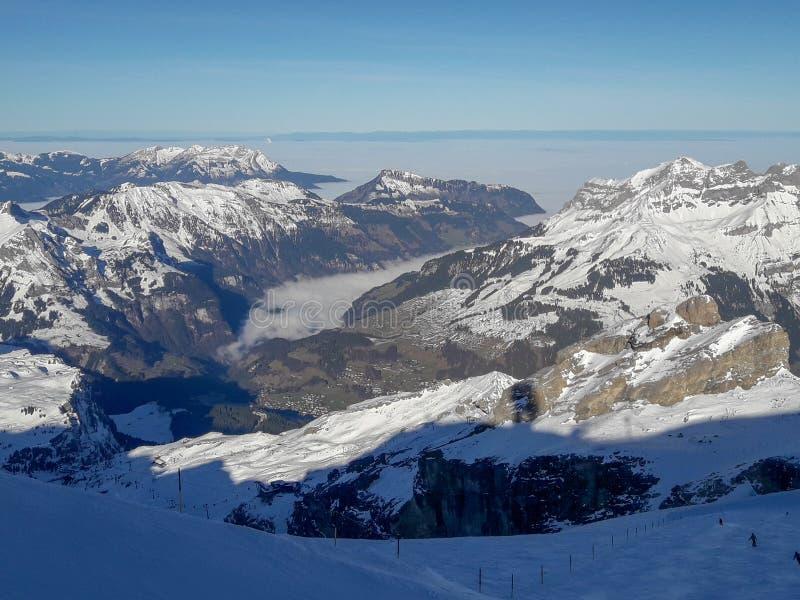 Paesaggio invernale del monte Titlis su Engelberg in Svizzera fotografia stock libera da diritti