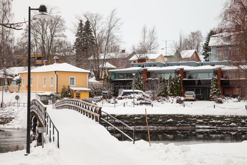 Paesaggio invernale della Savonlinna Piccolo ponte pedonale fotografia stock libera da diritti