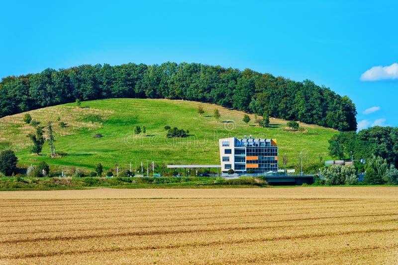 Paesaggio a Maribor con le colline fotografie stock libere da diritti