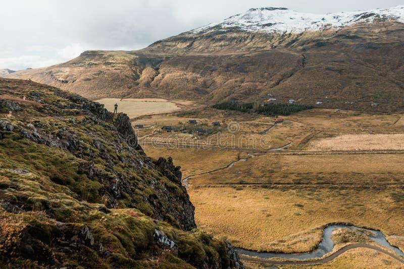 Paesaggio nordico di stupore, Islanda Viaggio e natura Scogliera alpina fotografie stock