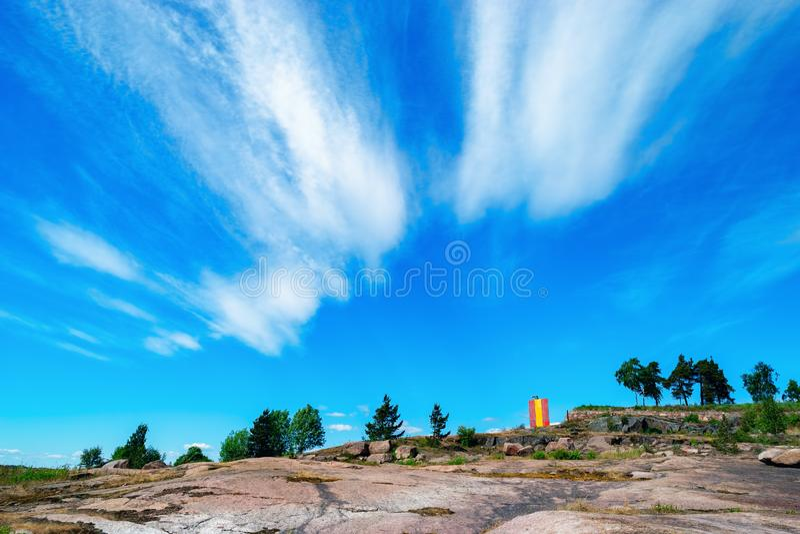 Paesaggio roccioso della spiaggia vicino a Kotka, Finlandia immagine stock