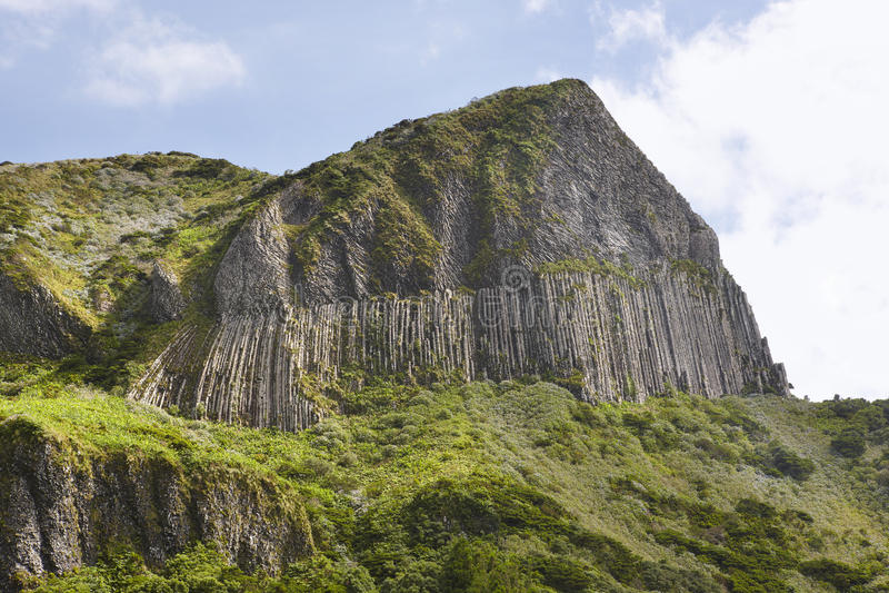 Paesaggio roccioso delle Azzorre nell'isola del Flores DOS Bordoes di Rocha Porta immagine stock libera da diritti