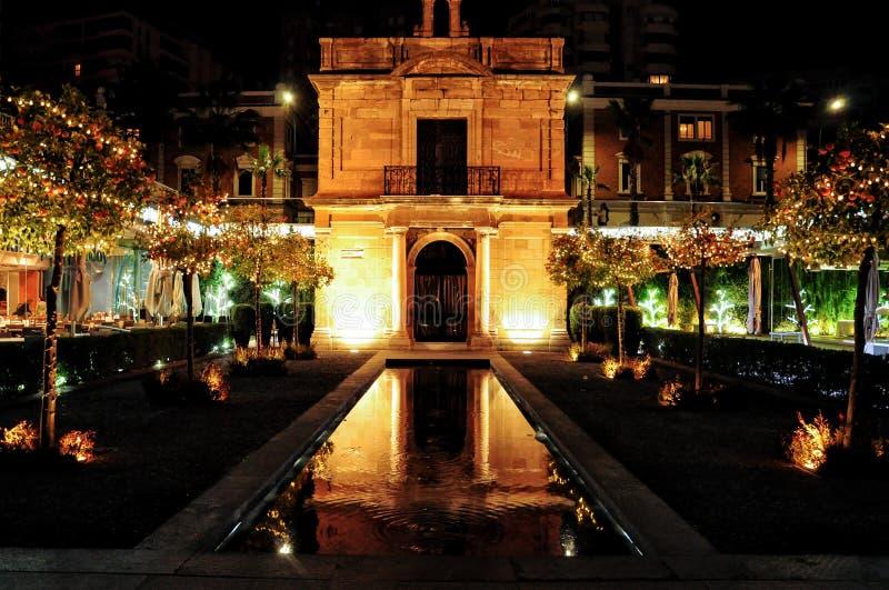 Paesaggio romantico e affascinante della cappella del porto di Malag immagine stock libera da diritti
