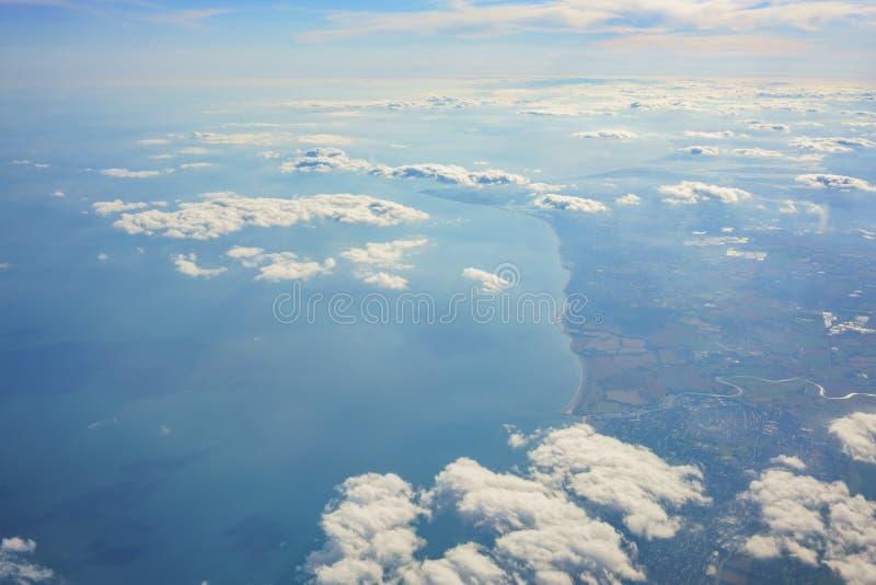 Paesaggio rurale aereo vicino all'aeroporto di Gatwick fotografia stock libera da diritti