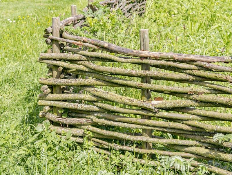 Paesaggio rurale con il granaio fotografie stock libere da diritti