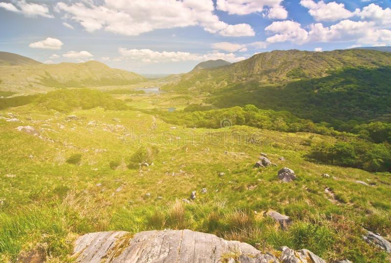 Paesaggio rurale del paesaggio della bella campagna irlandese epica da Th fotografie stock