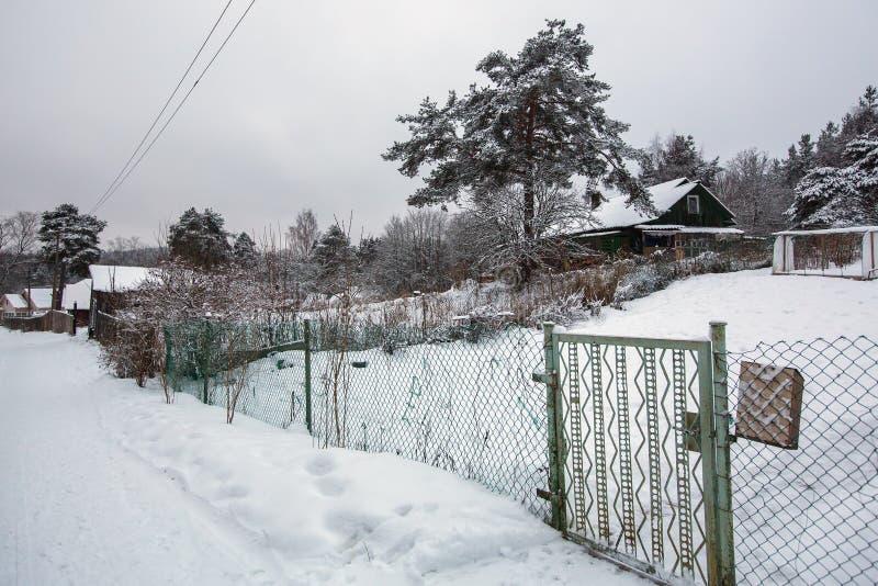 Paesaggio rurale di inverno nella Repubblica di Carelia immagini stock