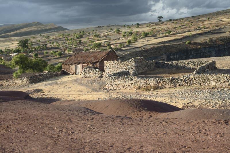 Paesaggio scenico al cratere di Maragua Villaggio dentro il cratere del vulcano dormiente di Maragua, Bolivia immagini stock