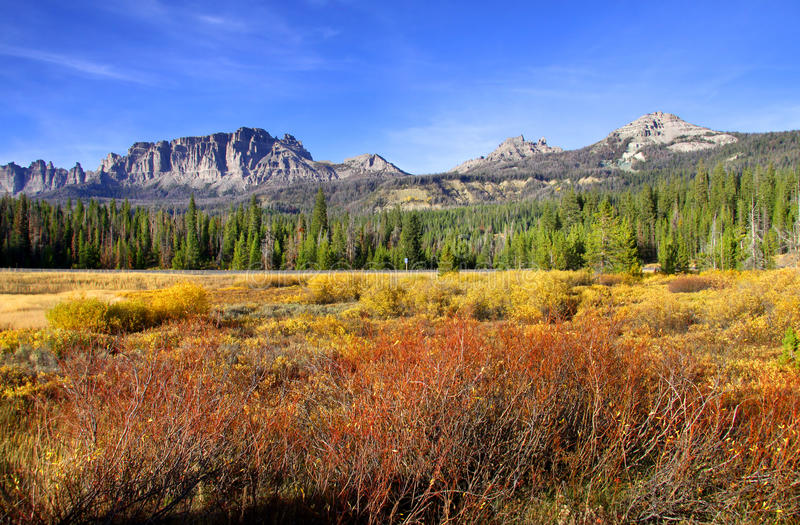 Paesaggio scenico di autunno immagine stock libera da diritti