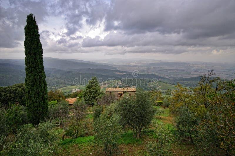 Paesaggio tipico in Toscana fotografia stock