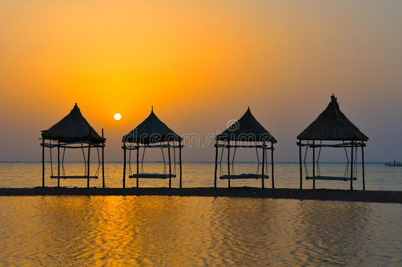 Paesaggio tropicale ad alba fotografia stock libera da diritti