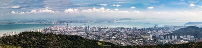 Paesaggio urbano aereo di panorama di Georgetown, capitale dello stato di Penang immagini stock libere da diritti