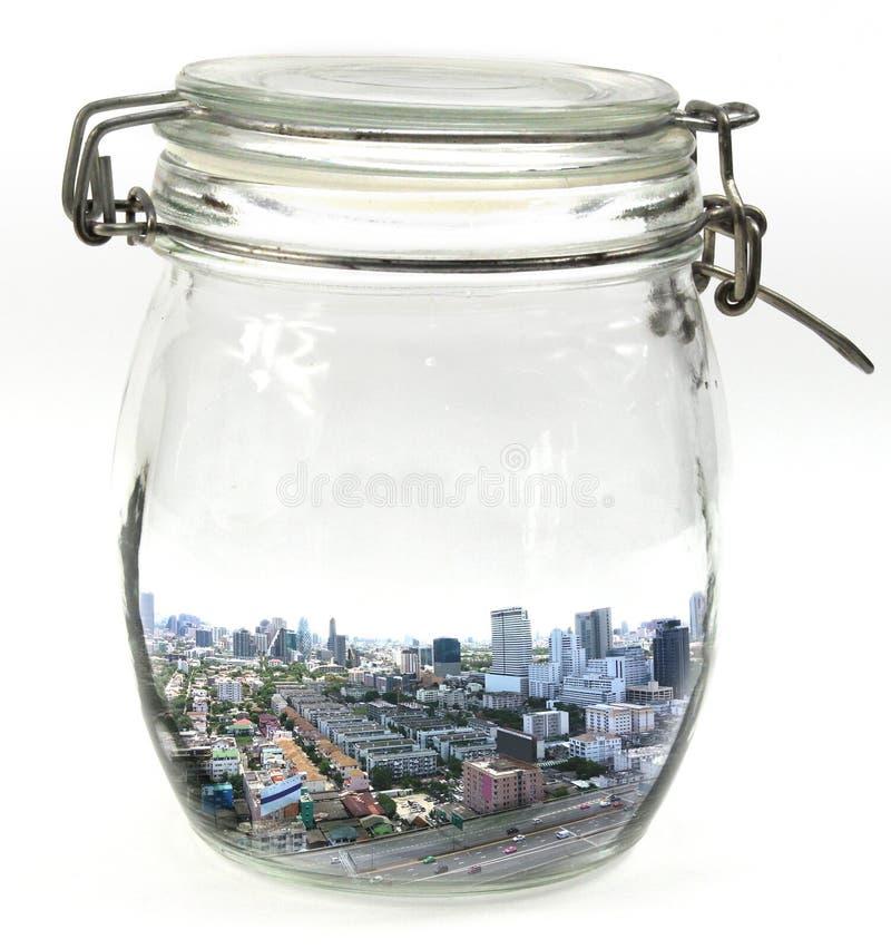 Paesaggio urbano Bangkok in un barattolo di vetro con la fine del coperchio fotografia stock libera da diritti