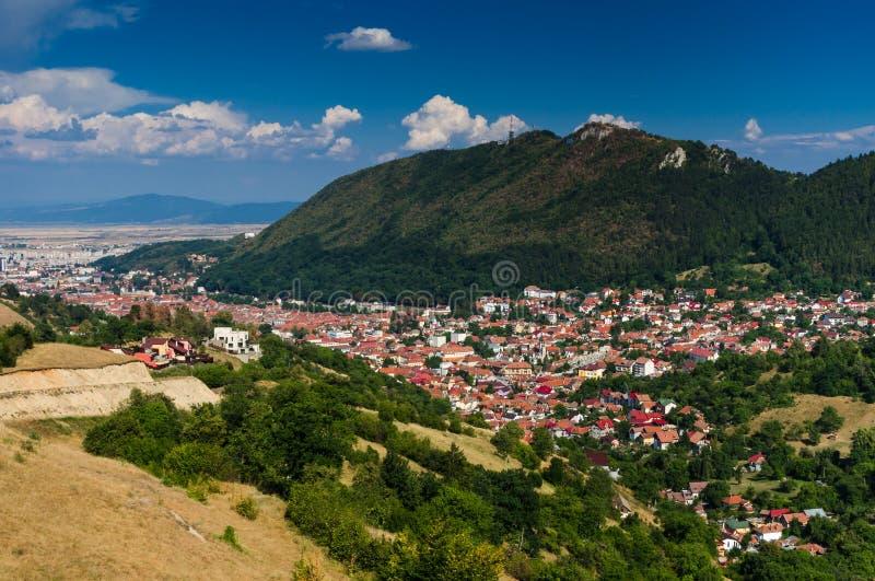 Paesaggio urbano del centro di Brasov, Romania immagine stock