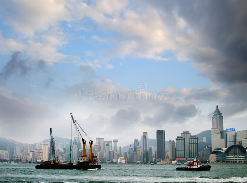 Paesaggio urbano del porto della Victoria a Hong Kong immagini stock libere da diritti