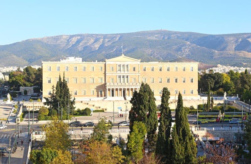 Paesaggio urbano del sintagma a Atene Grecia ed il Parlamento greco fotografia stock