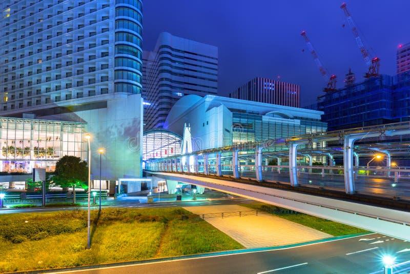 Paesaggio urbano della città di Yokohama alla notte fotografia stock libera da diritti