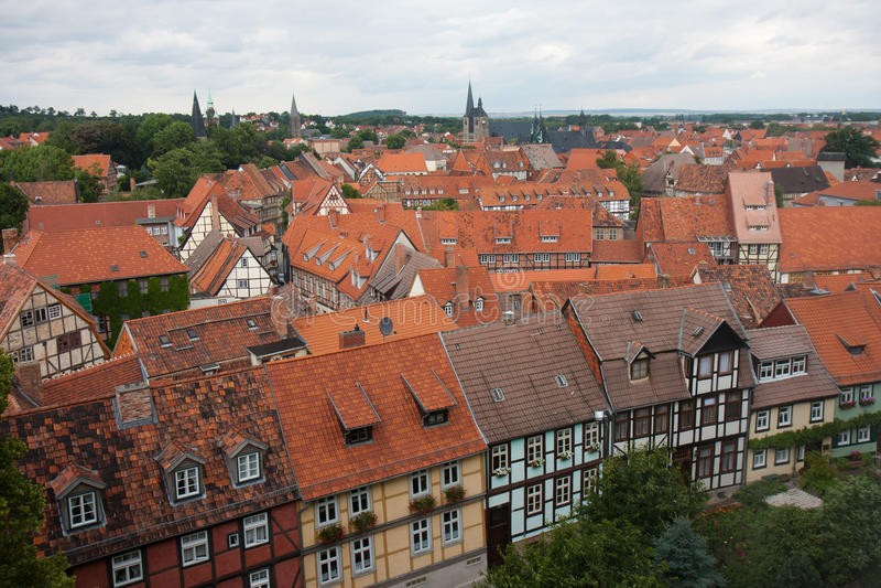 Paesaggio urbano della città medioevale Quedlinburg in Germania immagini stock