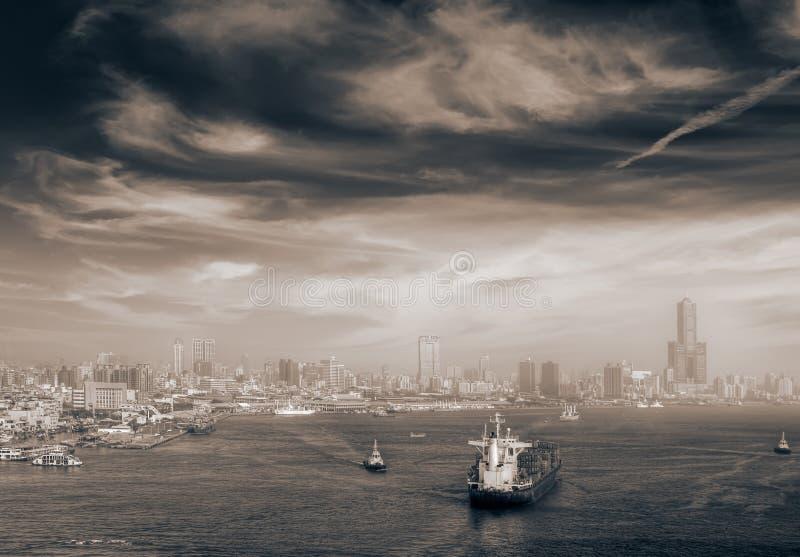 Paesaggio urbano delle barche in porta fotografia stock