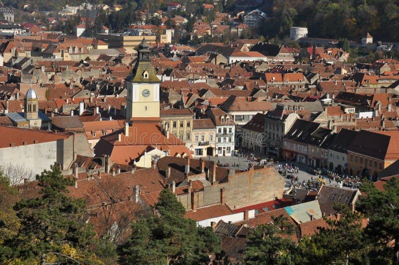 Paesaggio urbano di Brasov nella caduta fotografie stock libere da diritti