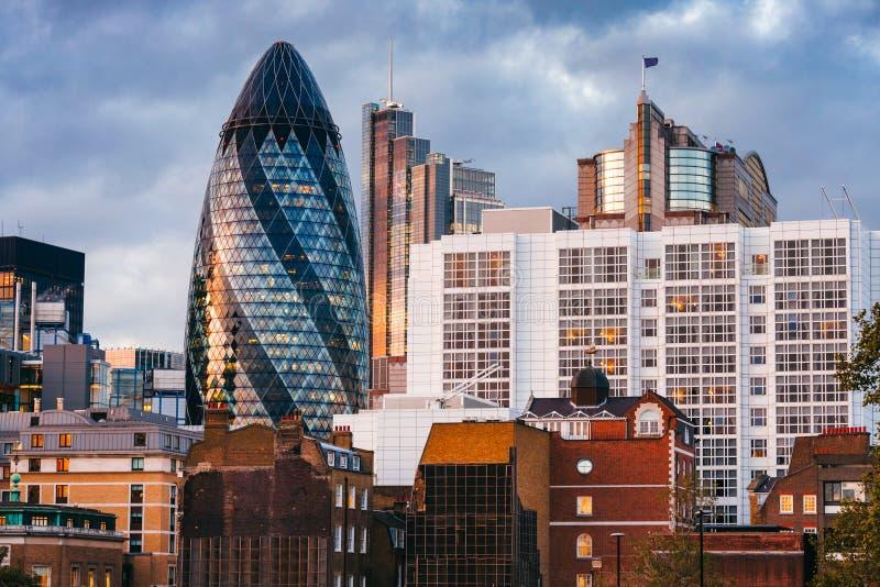 Paesaggio urbano di Londra al crepuscolo fotografia stock