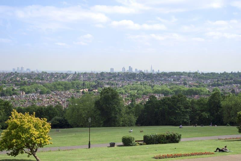 Paesaggio urbano di Londra dal palazzo di alexandra immagine stock libera da diritti