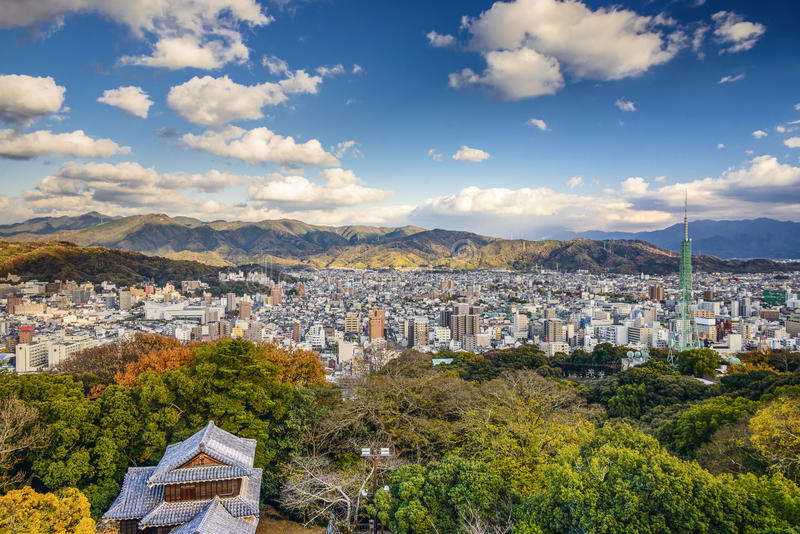 Paesaggio urbano di Matsuyama, Giappone fotografia stock