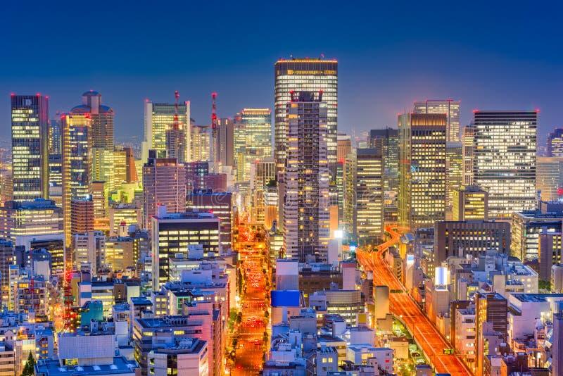 Paesaggio urbano di notte di Osaka, Giappone fotografia stock libera da diritti