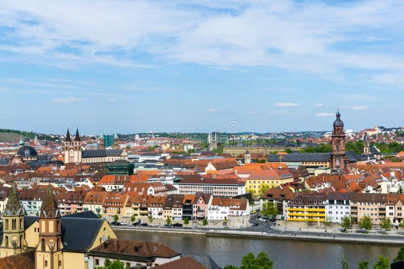 Paesaggio urbano di panorama di Wurzburg con di fiume Main in Baviera Germania immagine stock libera da diritti