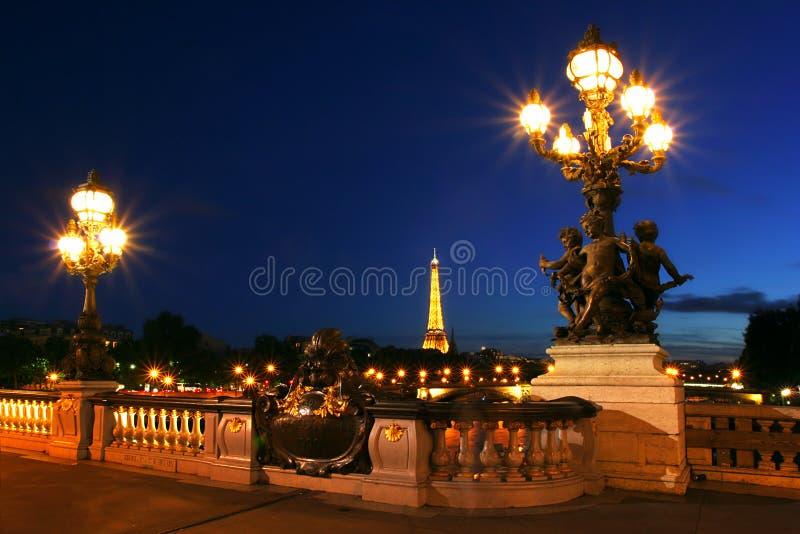 Paesaggio urbano di Parigi alla notte. fotografia stock