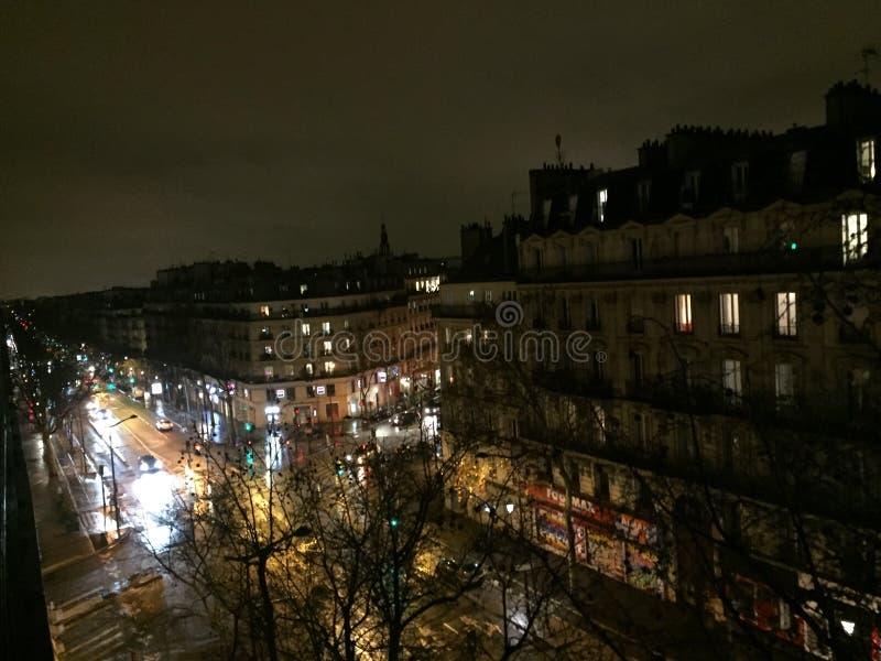 Paesaggio urbano di Parigi di notte fotografia stock