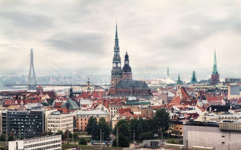 Paesaggio urbano di Riga, Lettonia fotografie stock