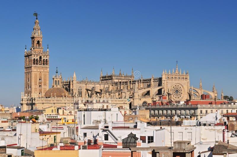 Paesaggio urbano di Siviglia con Santa Maria de la Sede Cathedral, Andalusia, Spagna fotografia stock libera da diritti