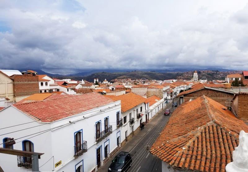 Paesaggio urbano di Sucre, Bolivia con la cattedrale fotografia stock libera da diritti